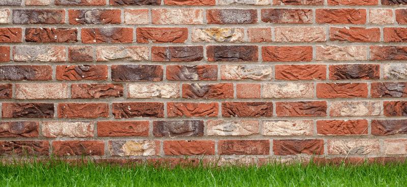 El muro y los tres albañiles